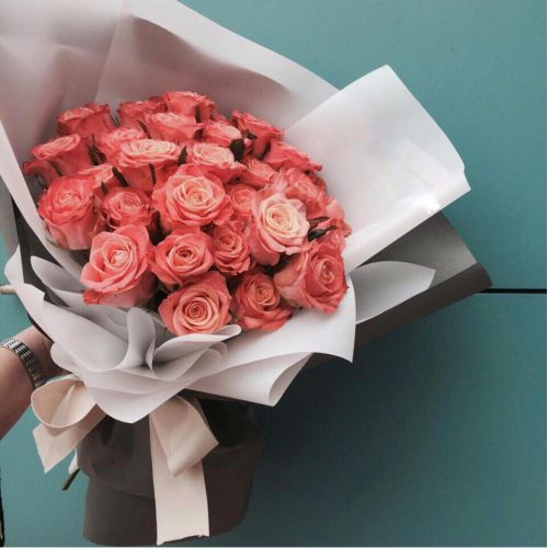 Купить на заказ Заказать Букет из 31 коралловой розы с доставкой по Экибастузу с доставкой в Экибастузе
