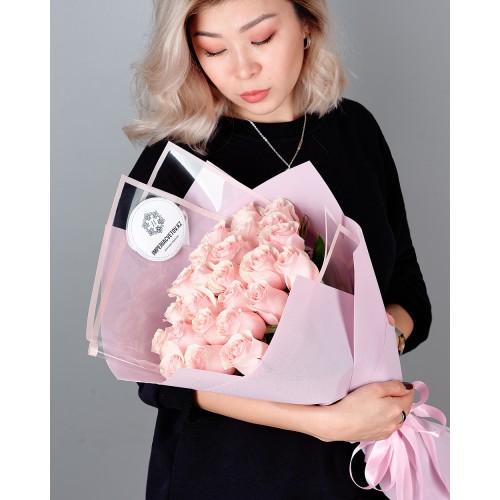 Купить на заказ Заказать Букет из 25 розовых роз с доставкой по Экибастузу с доставкой в Экибастузе