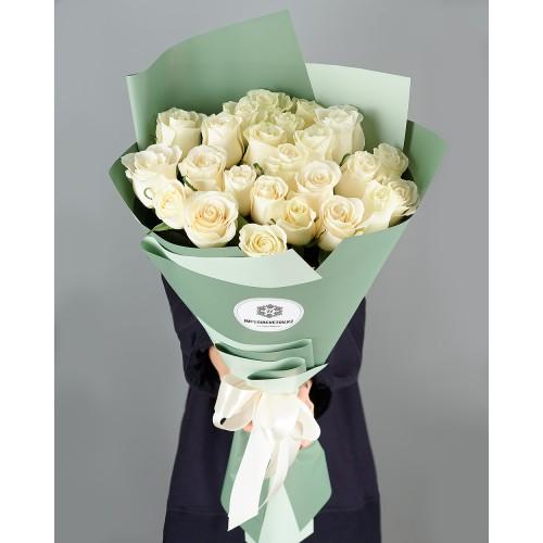 Купить на заказ Заказать Букет из 25 белых роз с доставкой по Экибастузу с доставкой в Экибастузе