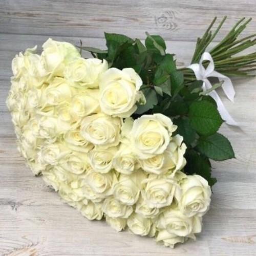 Купить на заказ Заказать Букет из 51 белой розы с доставкой по Экибастузу с доставкой в Экибастузе