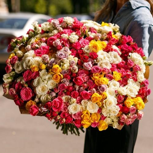 Купить на заказ Заказать Букет из 101 спрей розы с доставкой по Экибастузу с доставкой в Экибастузе